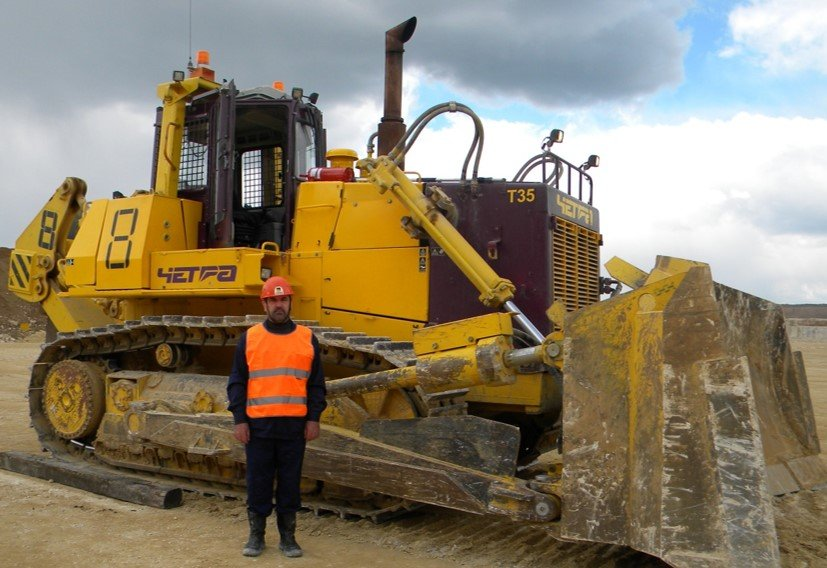 Best bulldozer operator competition at Stagdok